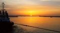 #sunrise #port #sea #tugboat #manoeuver #sail
